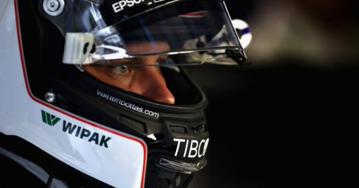 Valtteri Bottas signs new Mercedes deal for 2018 season