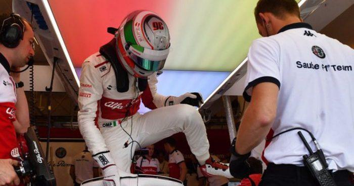 Antonio Giovinazzi secures second Sauber seat