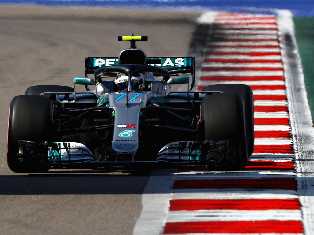 Qualy: Valtteri Bottas pips Lewis Hamilton to pole in Russia