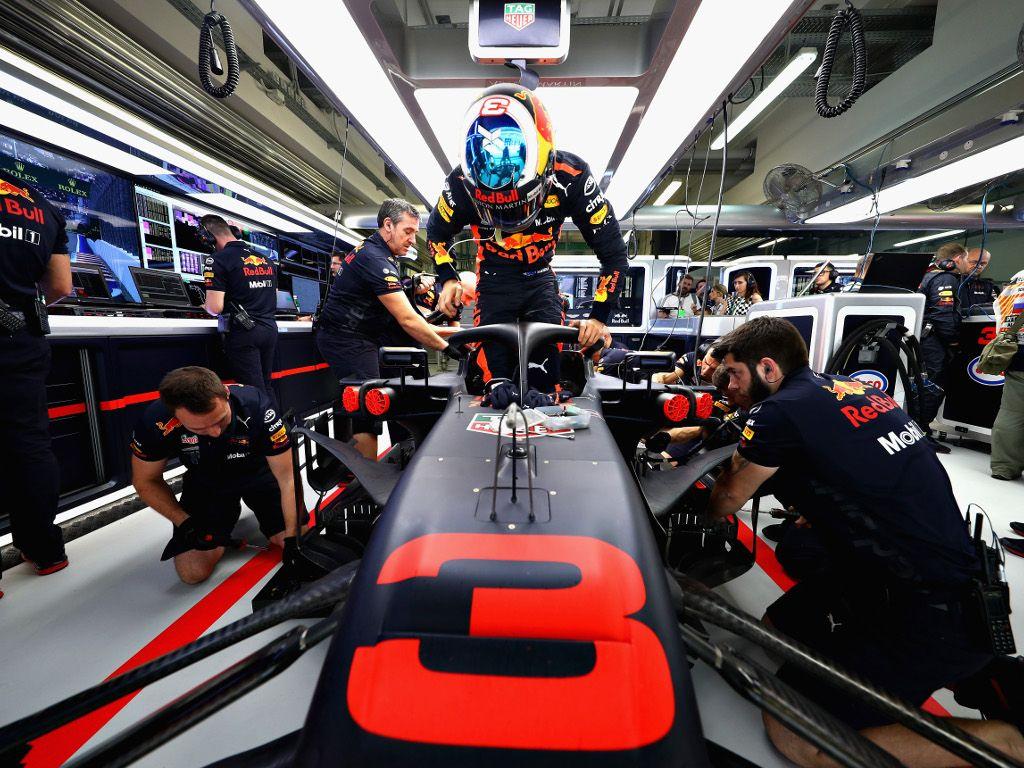 Horner: Daniel Ricciardo receiving equal opportunities