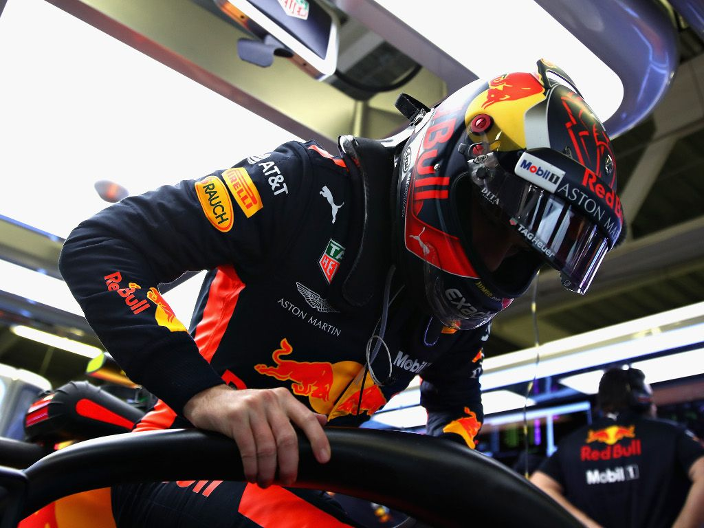FP3: Max Verstappen quickest despite battery issues