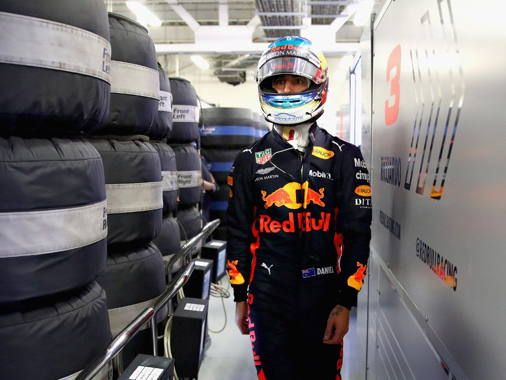 Christian Horner: Dark cloud following Daniel Ricciardo