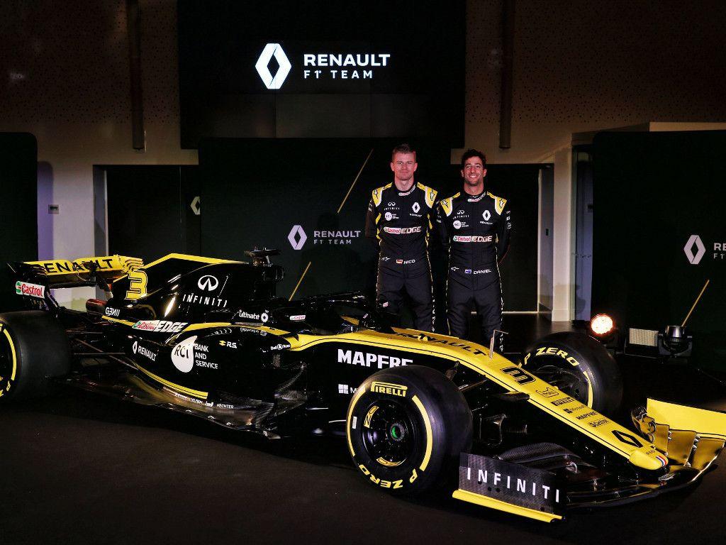 Daniel Ricciardo: Pressure is on even without the spotlight