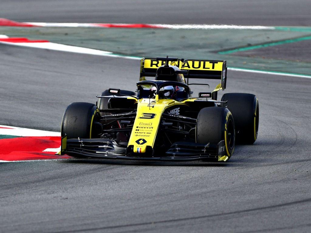 Daniel Ricciardo: Loses rear wing flap