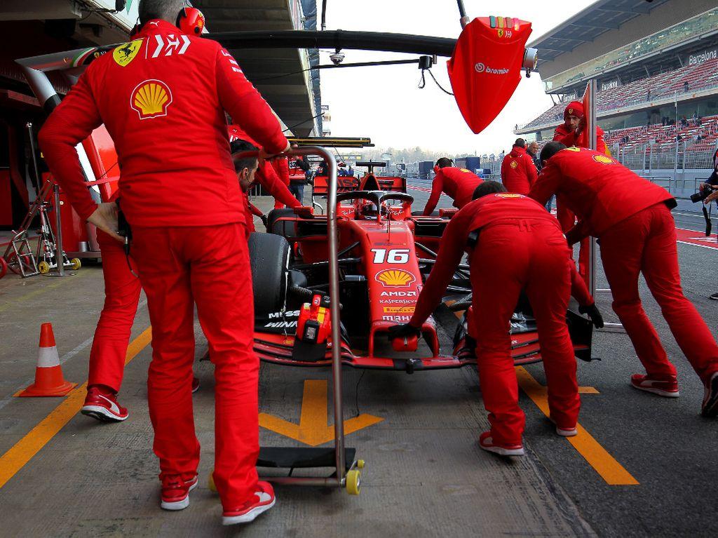 Charles Leclerc Ferrari mechanics PA