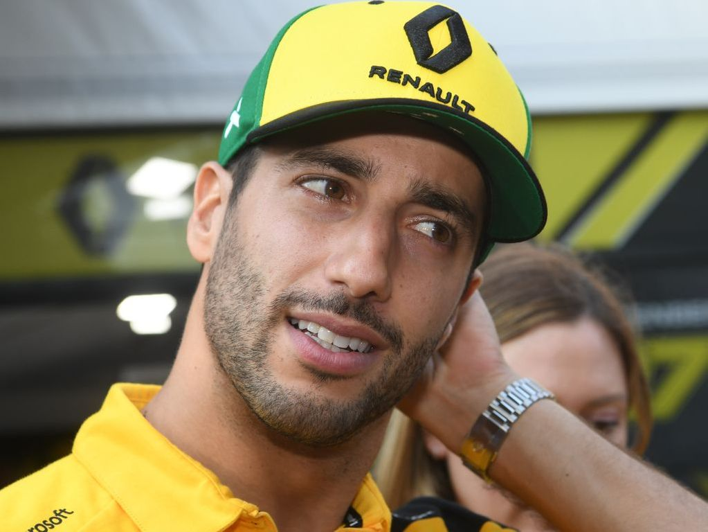 Daniel Ricciardo was left searching for answers after he finished over a second slower than team-mate Nico Hulkenberg in FP2 in Bahrain.