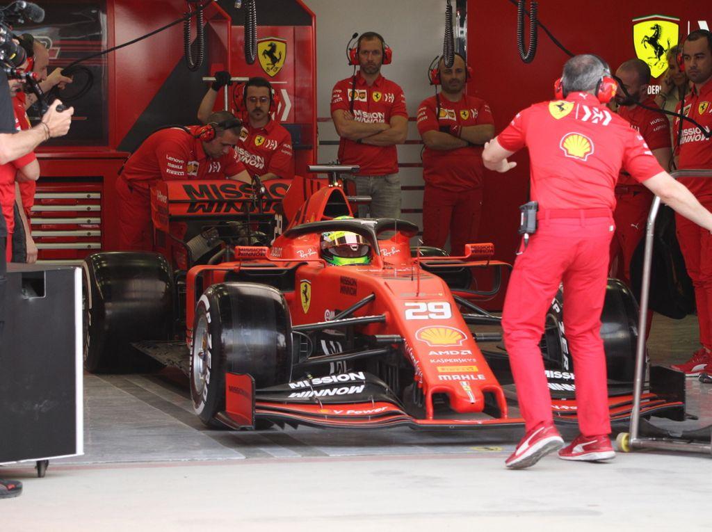 Max Verstappen puts an end to Mick Schumacher's dream debut