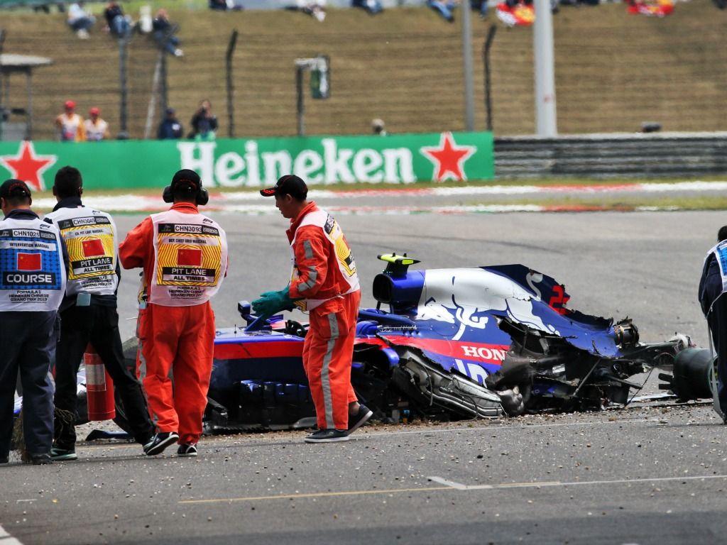 Alexander Albon: Crash in FP3