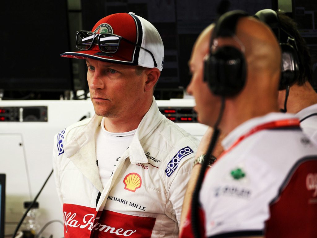 Kimi Raikkonen says he was aware of the front wing issue which caused him to start from the pit lane in Baku after China.