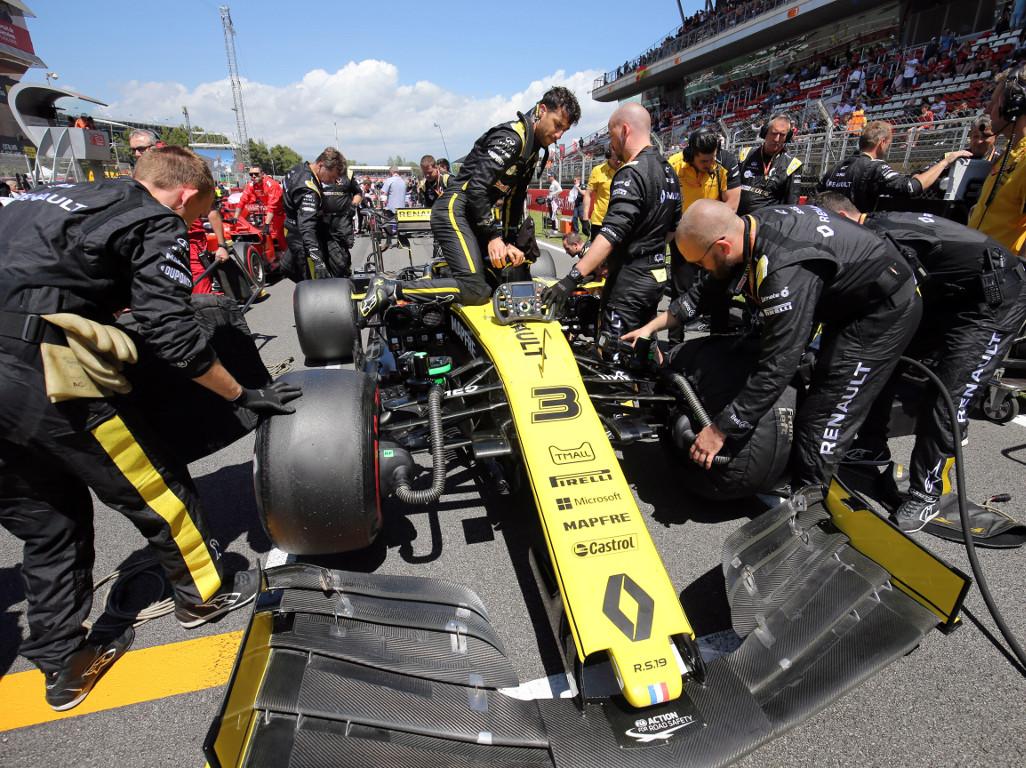 Daniel-Ricciardo-Renault-grid