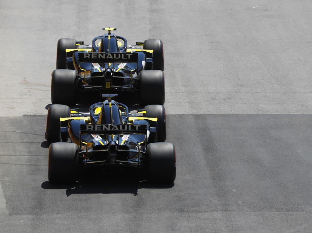 Daniel-Ricciardo-and-Nico-Hulkenberg-Renault-PA