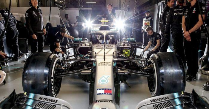 Valtteri_Bottas_lights_pits_Mercedes_PA