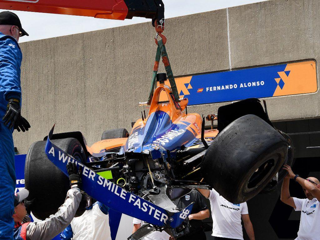 Fernando-Alonso-crashed-IndyCar