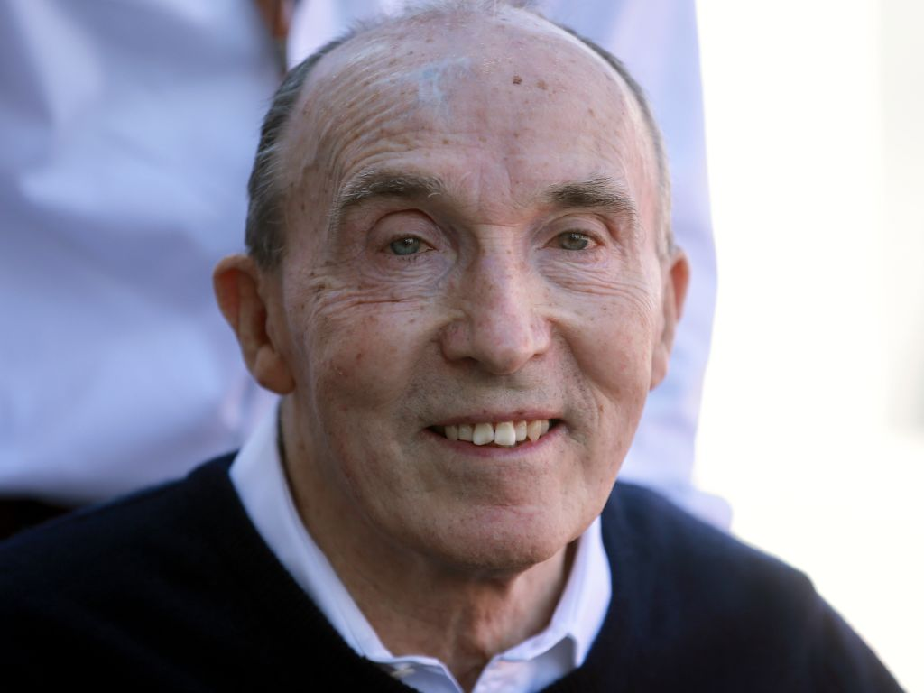 Williams to run special messages for Sir Frank at Silverstone for his 50th anniversary in charge of the team.