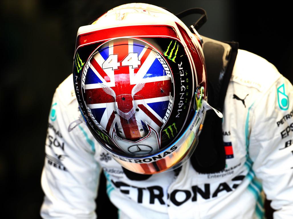 Lewis-Hamilton-British-flag-helmet-PA