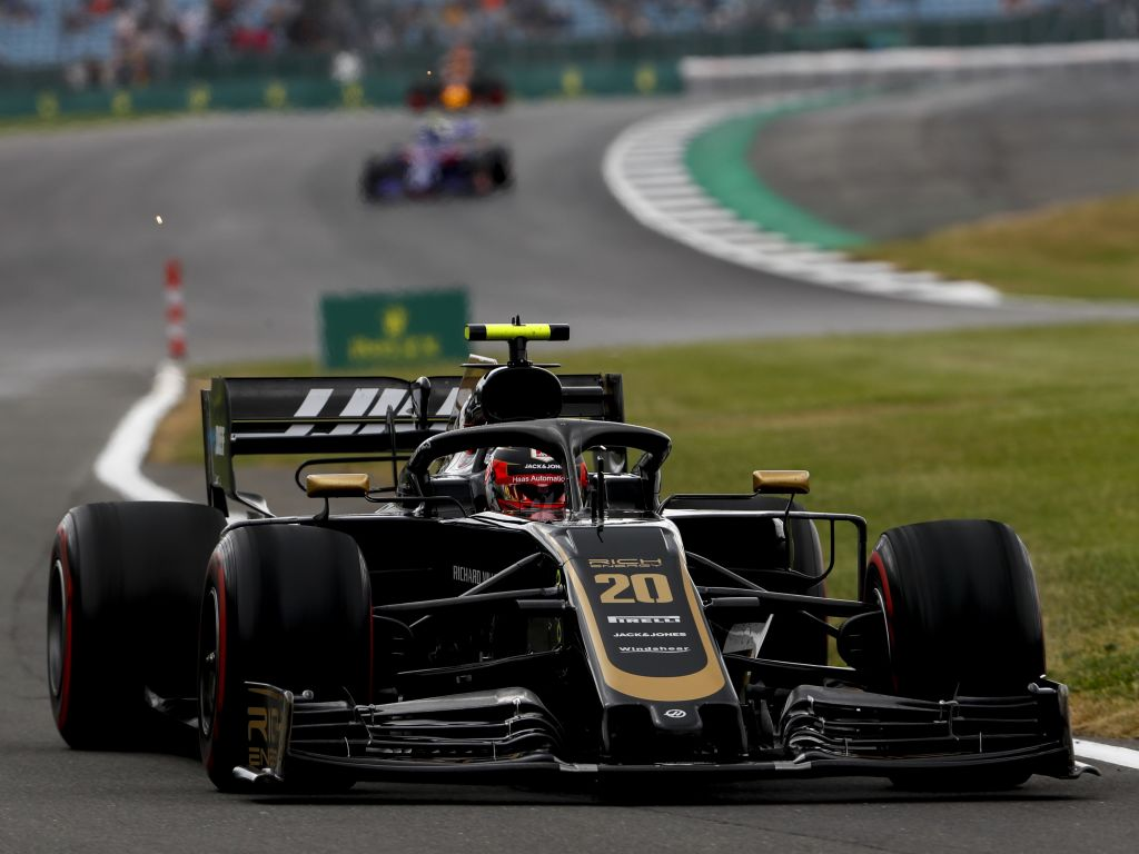 """Kevin Magnussen believes Haas do things that """"shouldn't be possible"""" in qualy, but wants that in the race."""