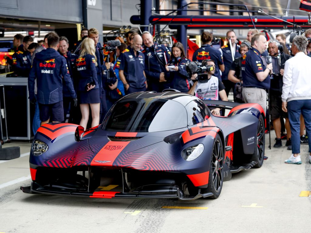 Aston Martin on standby to step up F1 efforts if Honda walk away.