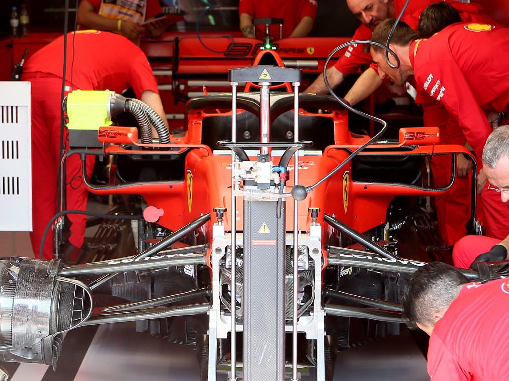 Ferrari-mechanics-PA