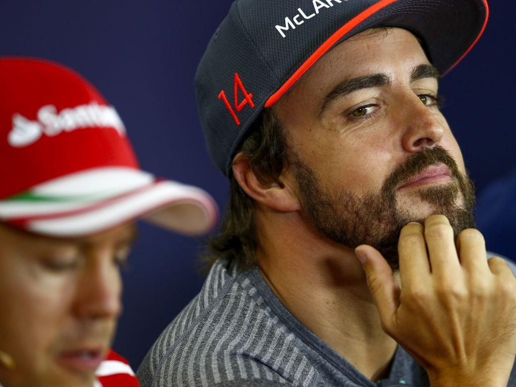 """Fernando Alonso """"feels bad"""" that Sebastian Vettel believes he doesn't like him."""