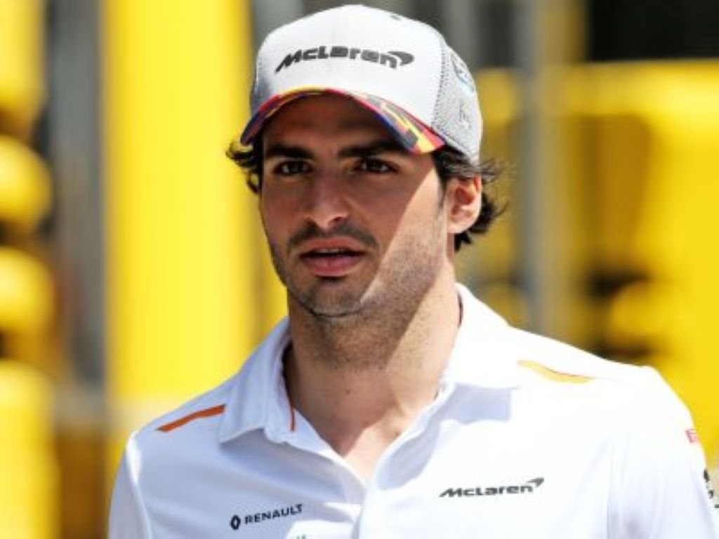Carlos Sainz has said McLaren's main aim should be to prepare for next season.