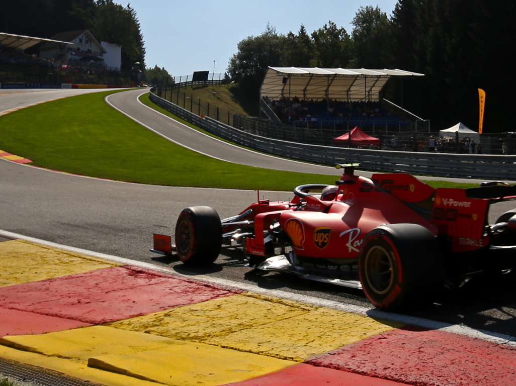 Qualy: Ferrari on pole