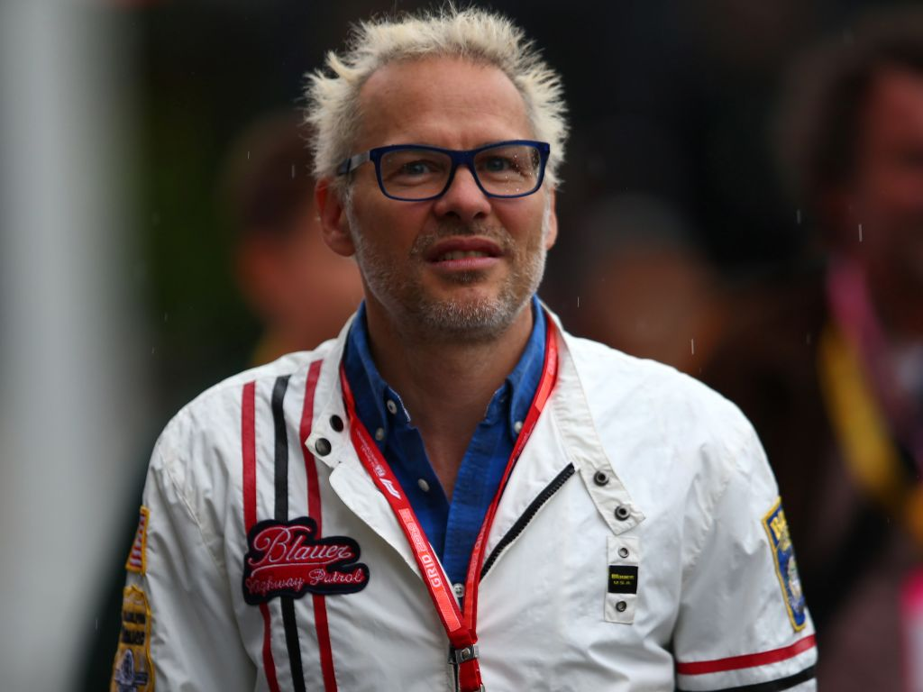 Jacques Villeneuve says Williams don't deserve the lifeline of the budget cap.