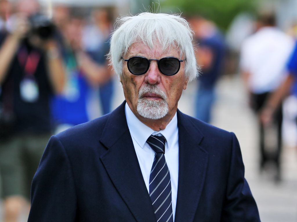 Bernie Ecclestone would delay the new Formula 1 rules for three years.