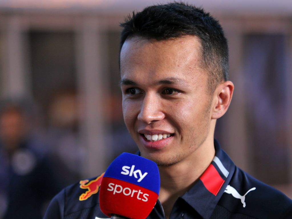"Alex Albon says he was left in ""no mans land"" after a poor start at the Japanese GP."
