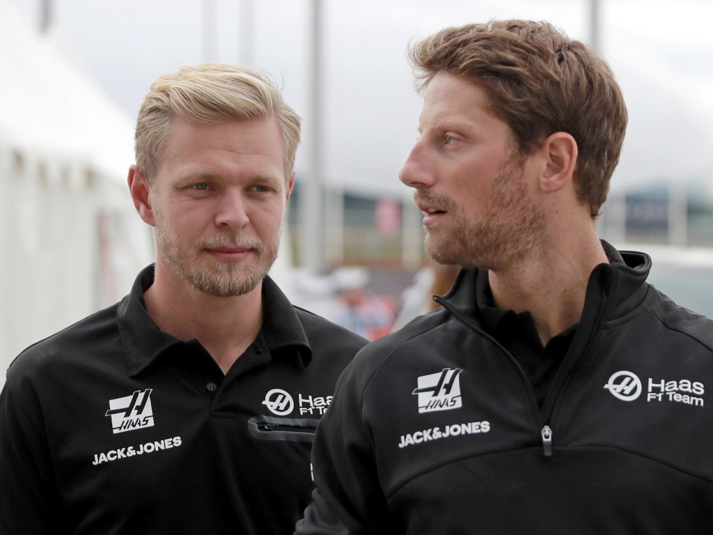 Kevin Magnussen and Romain Grosjean having a chat