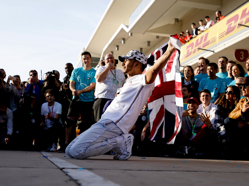 Ralf Schumacher believes Lewis Hamilton can beat all of his brother's records.