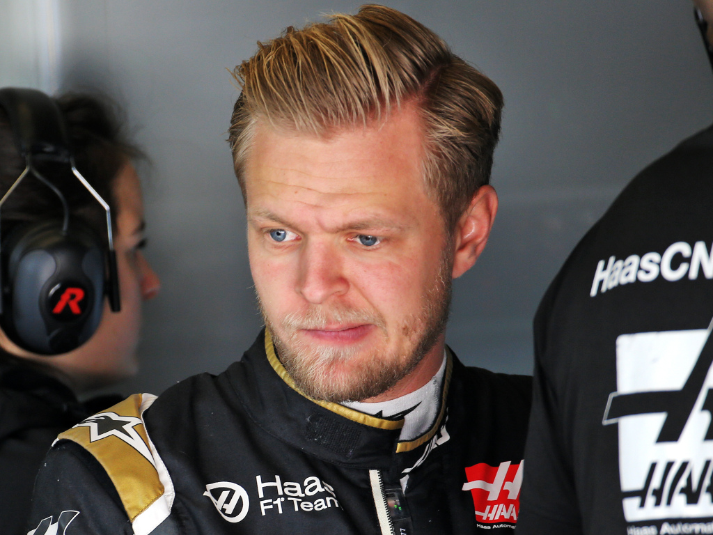 Kevin-Magnussen-frustrated-PA