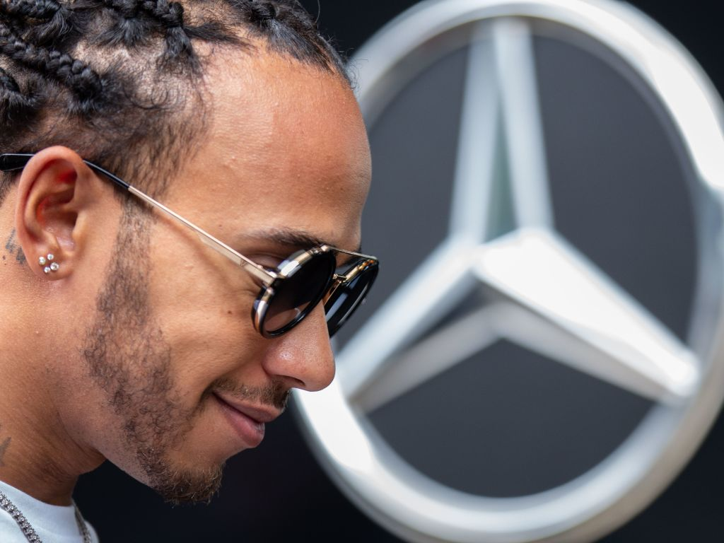 Robert Kubica has hailed Lewis Hamilton's sixth title, saying he won it without having the fastest car.