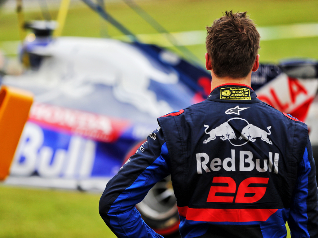 Toro Rosso handed a €5,000 fine for releasing Daniil Kvyat into the path of Romain Grosjean during Q1 in Abu Dhabi.