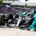 Lewis-Hamilton-mercedes-pit-stop-PA