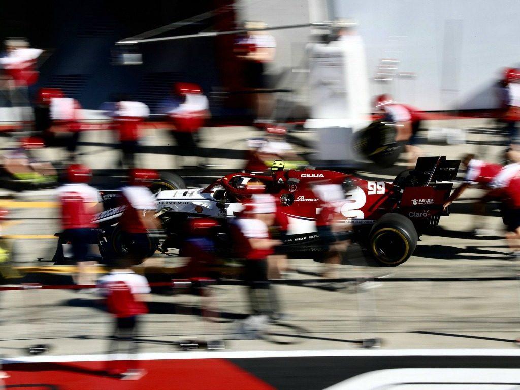 Antonio-Giovinazzi-Alfa-Romeo-blurred-PA