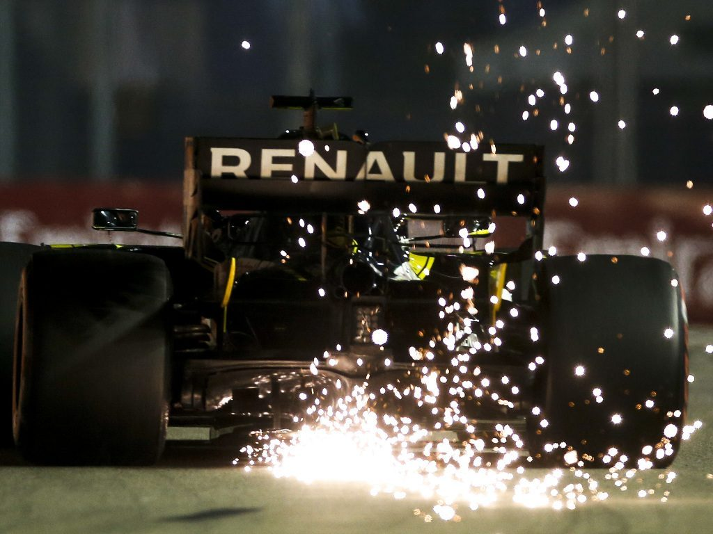 Daniel-Ricciardo-Singapore-sparks-PA