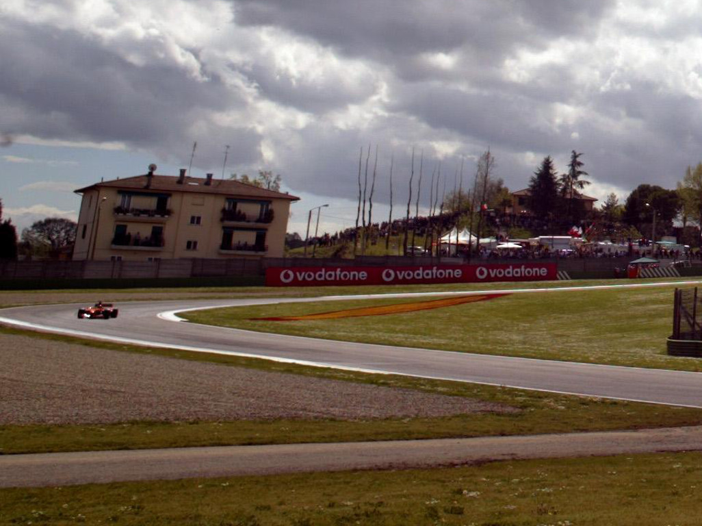 Imola again offers to host an F1 race in 2020, this time behind closed doors.