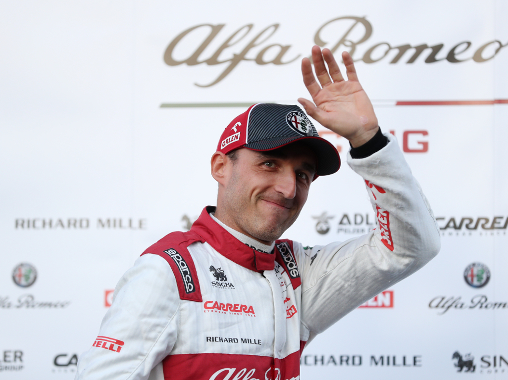 Robert Kubica says make cars lighter to improve racing.