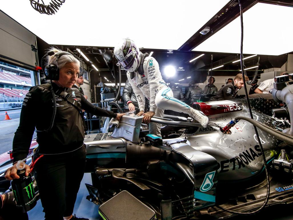 'Ferrari is a short-term job, Mercedes is for life'