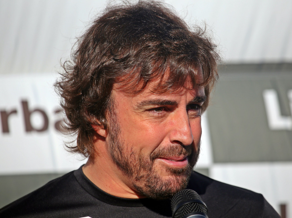 Fernando Alonso makes virtual racing debut.