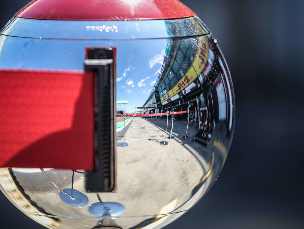 F1 considering extended shutdown to save money