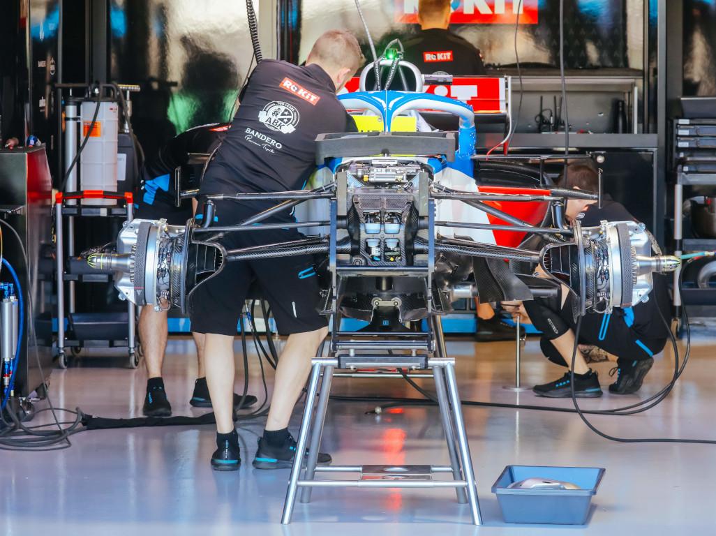 Williams garage FW43