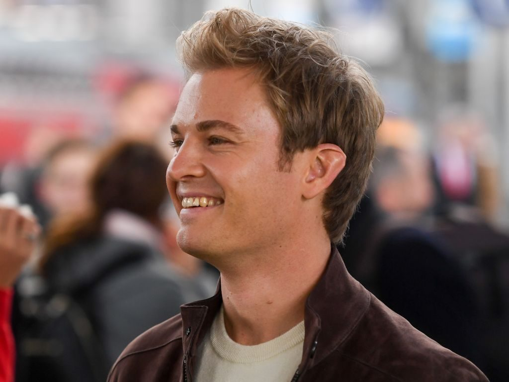 Nico Rosberg calls for eight weekends but '16 races'