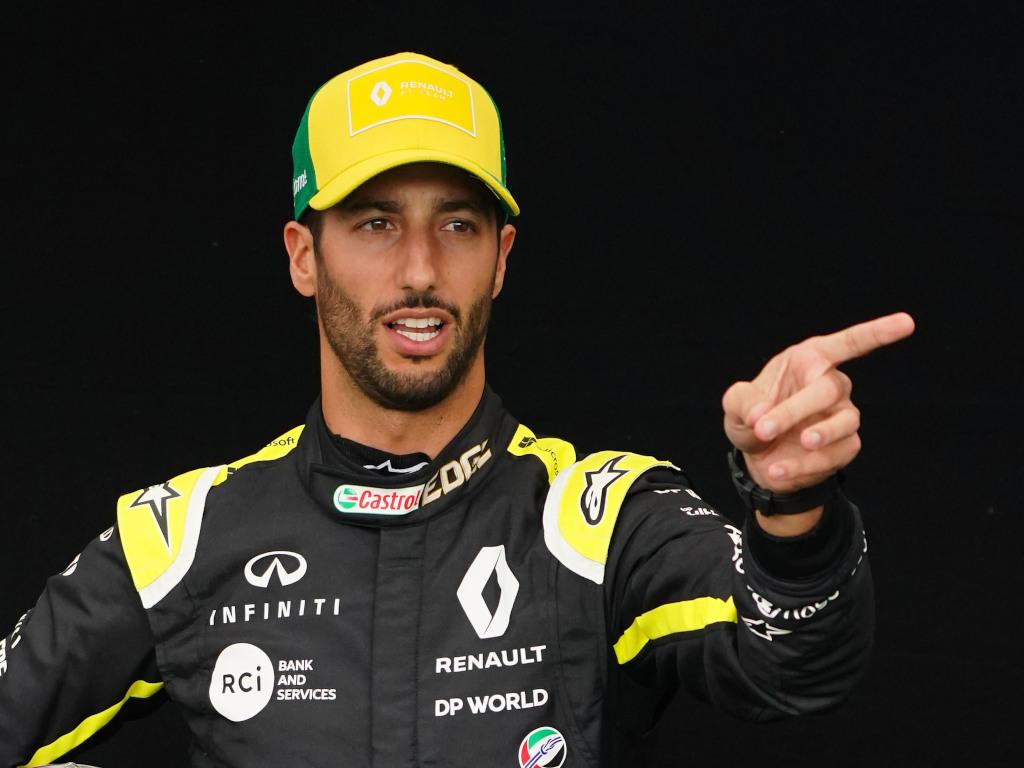 Daniel Ricciardo finger pointing pa