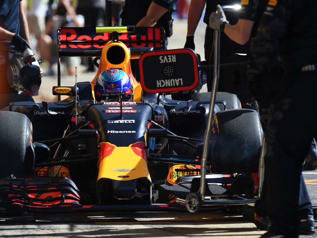 Max Verstappen 2016 pit stop pa