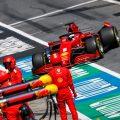 Sebastian Vettel broken rear wring.jpg