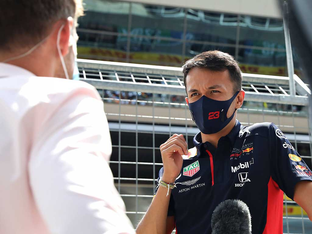 Alexander Albon 'offering nothing' in fight with Mercedes