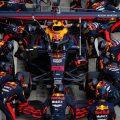 Alexander Albon Red Bull pit stop 2020.jpg
