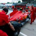 Ferrari mechanics Sebastian Vettel.jpg