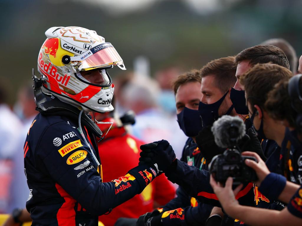 Max Verstappen handshake Red Bull.jpg